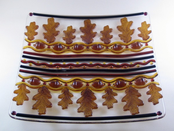 Serpentine Plate with Acorns