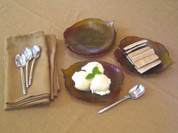Kiwi Leaf Dessert Plates